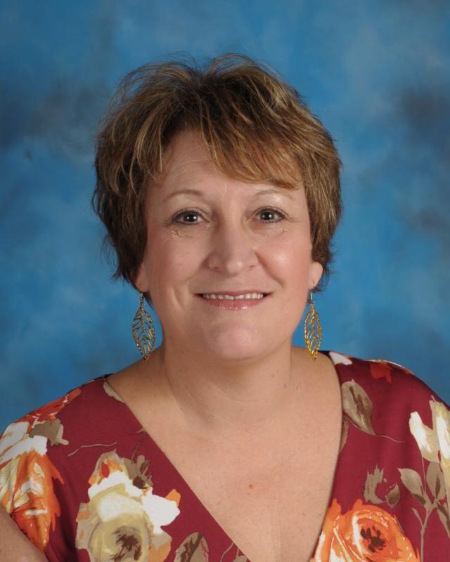 Principal / Principal - Lynn Whiteside
