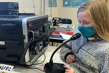 School club teaches students about amateur radio
