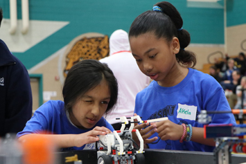 School teams compete during annual robotics event